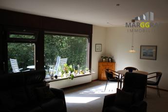 Ausblick Wohnzimmer auf Terrasse