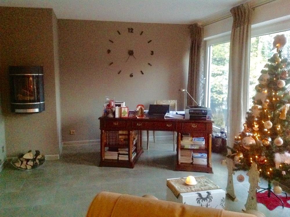 Wohnzimmer mit Wandkamin