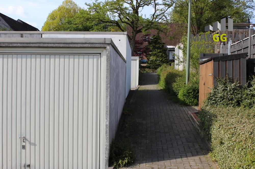 Fußweg_zu_den_Garagen