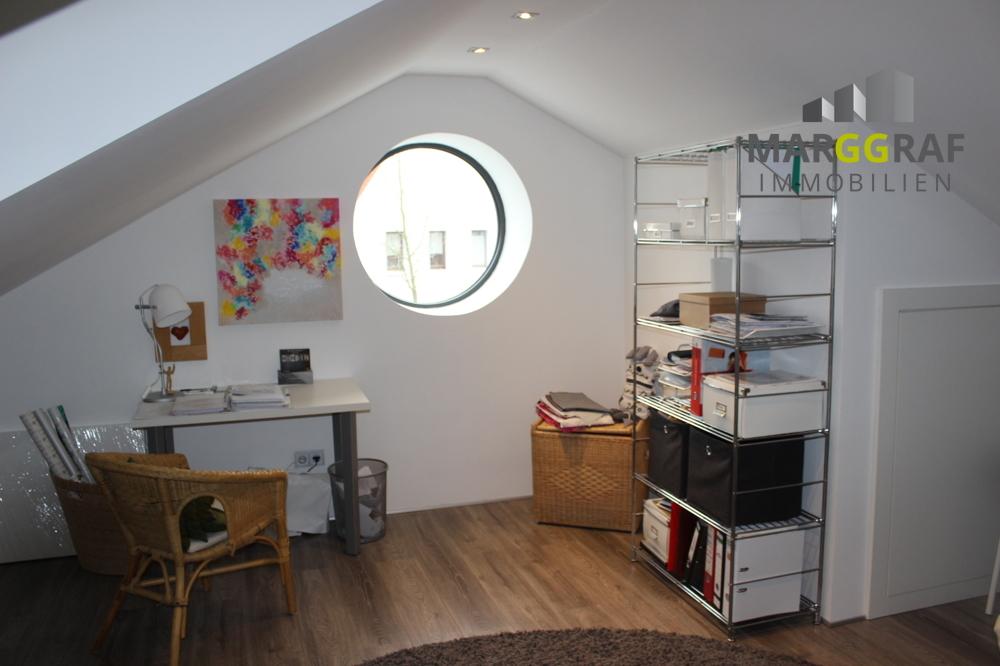 Dachbodenzimmer 1