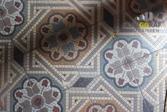 historische Bodenfliesen Mosaik-1