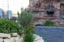 Gemütlich und liebevoll angelegt und natürlich mit schönster Südlage: der Garten erwartet Sie mit seiner Schönheit…