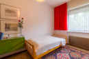 Kinderzimmer 2: Auch der dritte Schlafraum des Obergeschosses kommt gemütlich und urig daher.