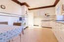 Großzügigkeit ist das Motto Ihrer Küche! Hier lassen sich bald viele schöne Kochabende verbringen.