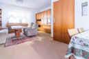 Ihr Esszimmer ist mit dem Wohnzimmer verbunden. So schaffen Sie einen großzügigen Raum zum Leben.