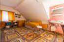 Ein Kinderzimmer mit eigenem Waschbecken? In diesem großzügigen Zimmer ist es möglich!