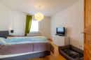 Groß genug für große Träume: eines der beiden Schlafzimmer im Obergeschoss.