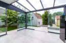 Na das nennen wir mal ein zweites Wohnzimmer! Der neue Wintergarten im Erdgeschoss wird Ihre Wohnatmosphäre maximieren