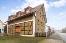 Was ein hübscher Anblick! Ihre 285 Quadratmeter Wohnfläche wurden auch äußerlich prächtig gestaltet.