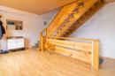 Ein Treppenhaus so groß wie ein ganzer Raum. Wie wollen Sie die Fläche sinnvoll nutzen?