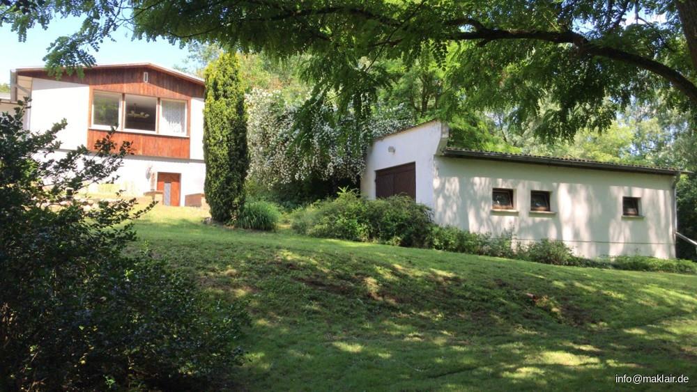 Haus + Garage