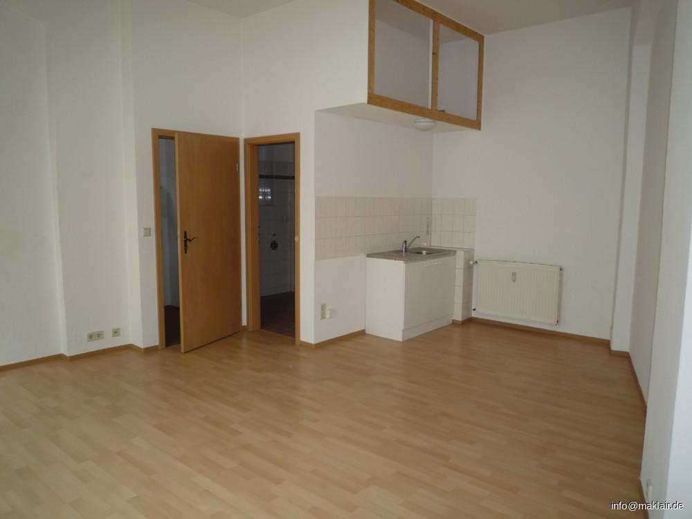 Zimmer + offene Küche