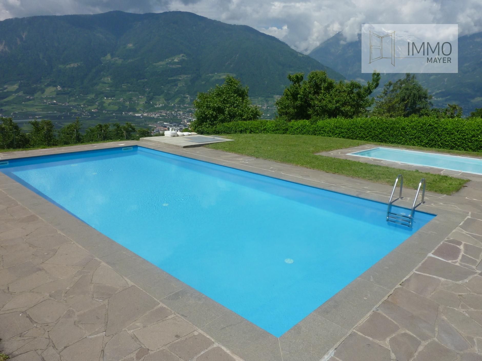 Schwimmbad | Piscina