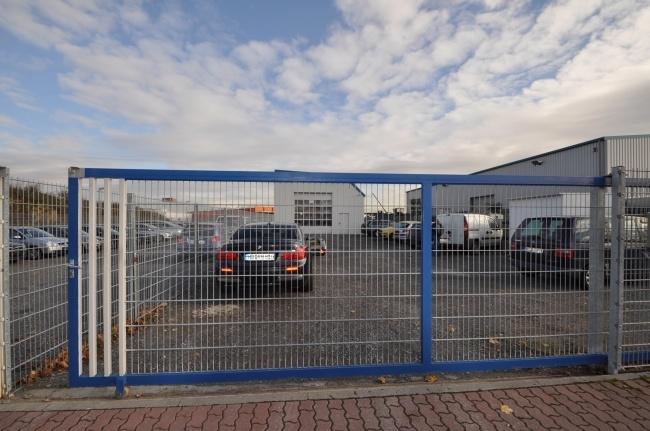 Schiebetor von Vermietet ***TOP Grundstück mit Halle für KFZ Werkstatt oder Produktionshalle und Büro*** | Maywand Immobilien GmbH