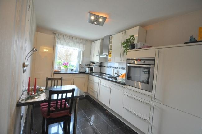 Küche mit EBK von VERKAUFT   Maywand Immobilien GmbH