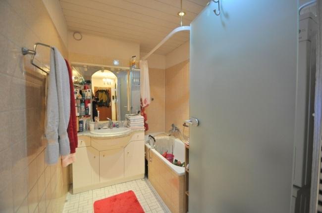 Badezimmer mit Badewannee. von VERKAUFT   Maywand Immobilien GmbH