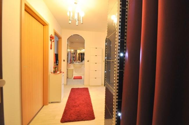 Eingangsbereich von VERKAUFT   Maywand Immobilien GmbH