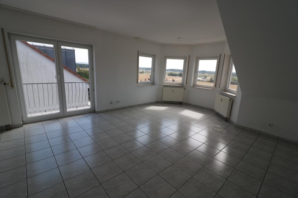Wohnzimmer von VERMIETET | Maywand Immobilien GmbH