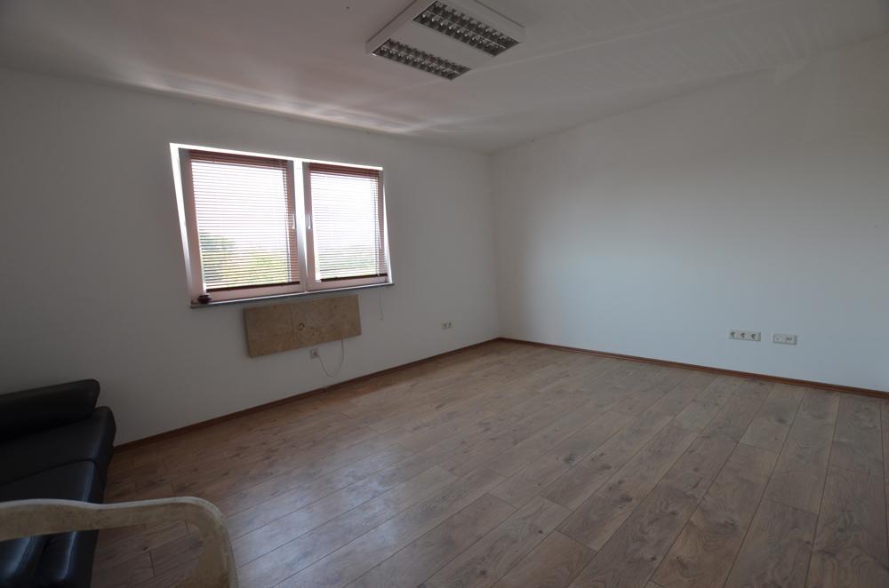 OG - Wohnzimmer  von Vermietet   Maywand Immobilien GmbH