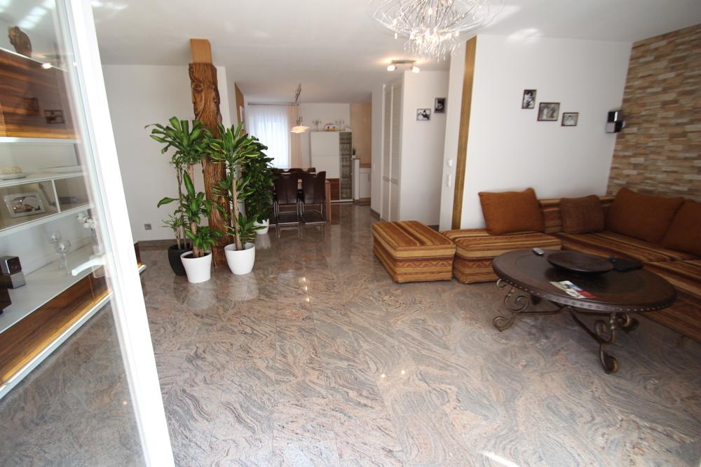 Wohnzimmer/Esszimmer von ***VERKAUFT*** | Maywand Immobilien GmbH