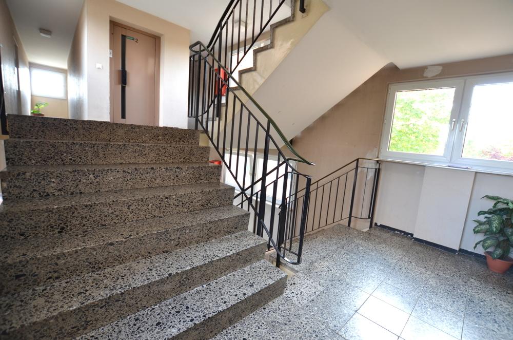 Treppenhaus / Aufzug  von Verkauft | Maywand Immobilien GmbH