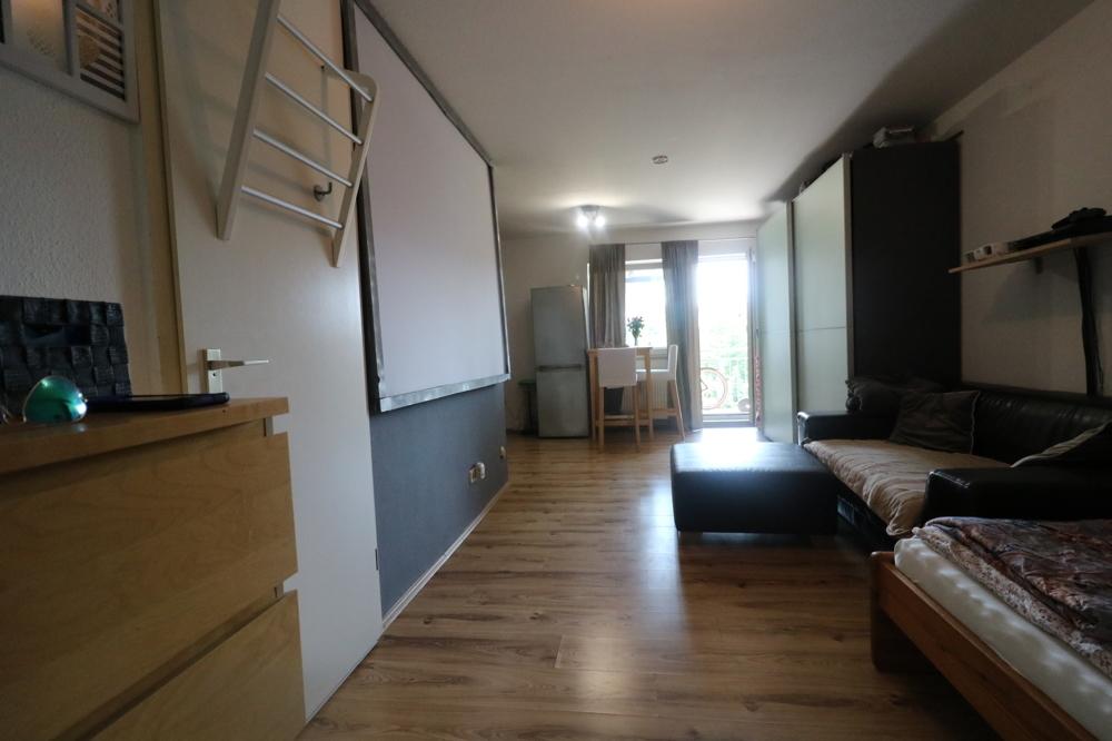 Wohn/Schlafzimmer von Verkauft ***Top Kapitalanlage***1-ZKB-Wohnung mit EBK und Balkon | Maywand Immobilien GmbH