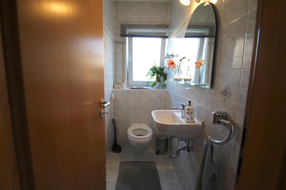 Gäste WC von Vermietet 4-ZKB Maisonette-Wohnung mit Terrasse, Garten und Stellplatz   Maywand Immobilien GmbH