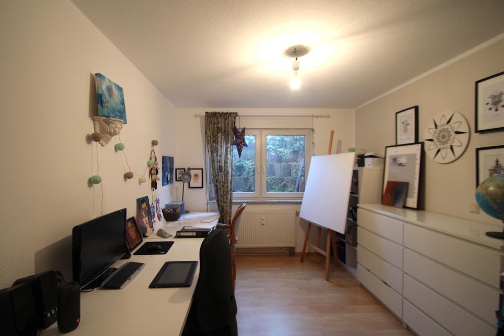 Arbeitszimmer von Vermietet 4-ZKB Maisonette-Wohnung mit Terrasse, Garten und Stellplatz   Maywand Immobilien GmbH