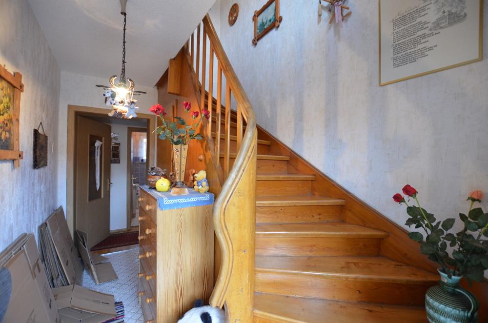 Treppenhaus  von VERMIETET   Maywand Immobilien GmbH