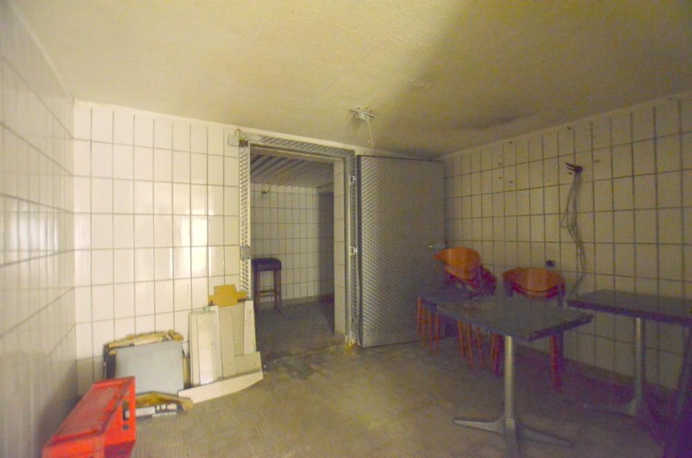 Kühlraum  von Zwei lukrative Ladenflächen in zentraler Lage Waghäusel-Kirrlachs zu verkaufen | Maywand Immobilien GmbH