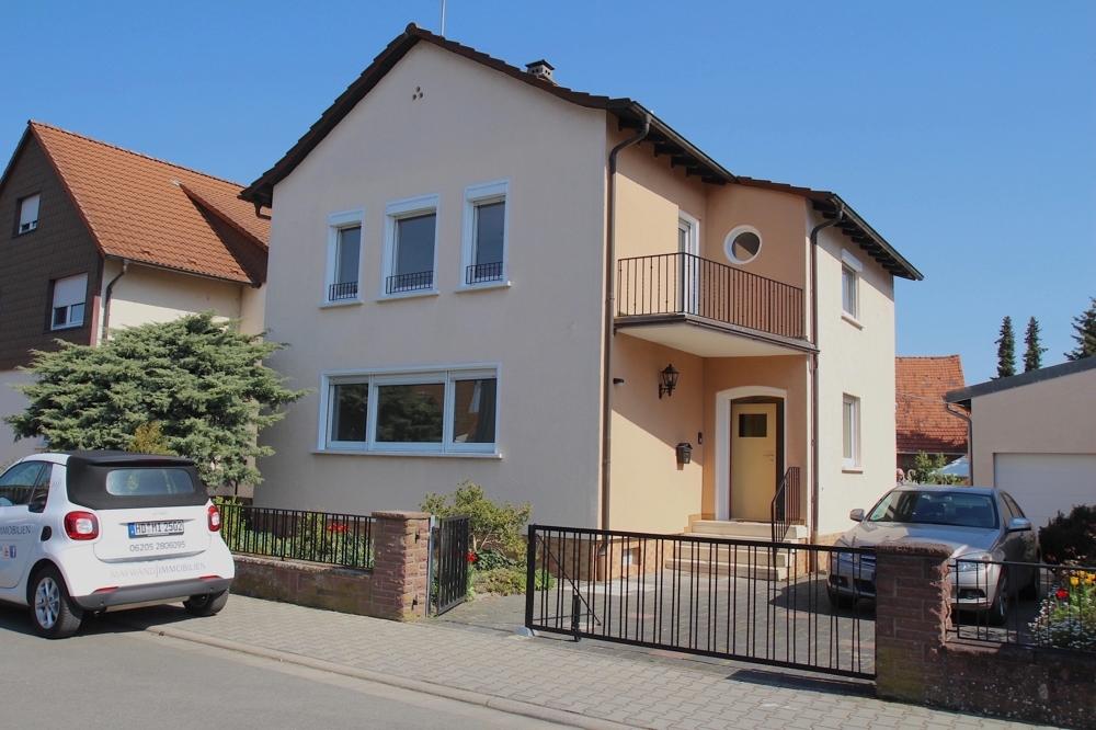 Hausansicht von VERMIETET | Maywand Immobilien GmbH