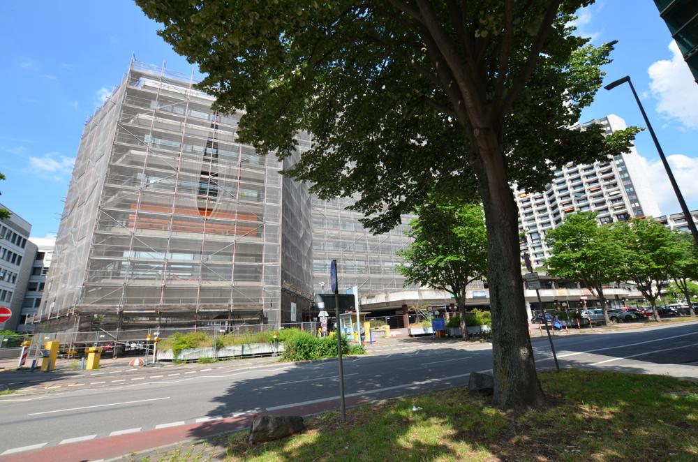 Parkhaus  von Lukrativer Friseursalon in zentraler Lage Mannheims zu vermieten | Maywand Immobilien GmbH