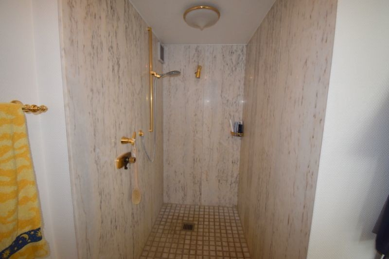 Dusche Schlafzimmer