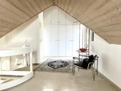 offener Wohnraum unterm Dach