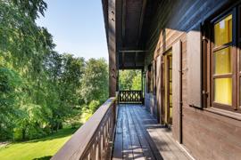 umlaufender Balkon/Loggia