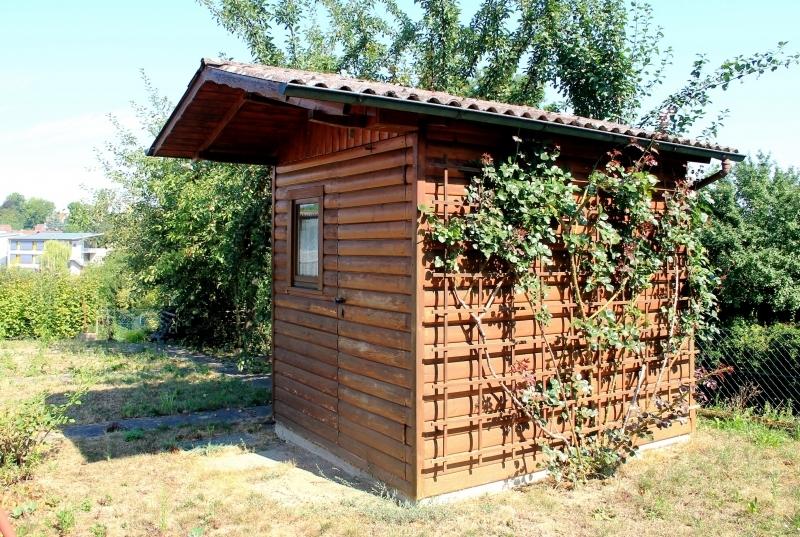 Ein Häusel gfür Gartenutensilien