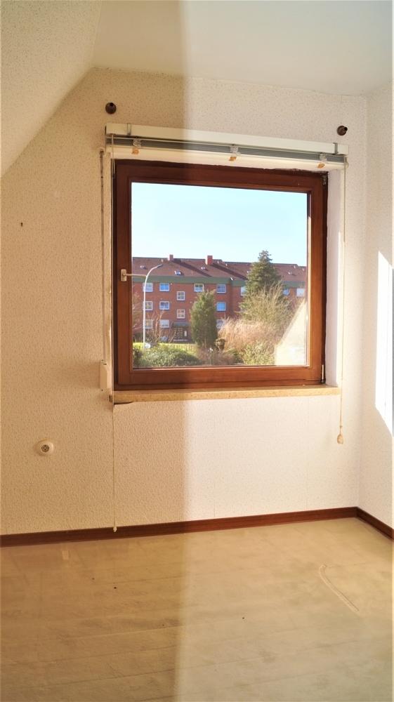 Halbes Zimmer im Dachgeschoss, angrenzend an das Schlafzimmer