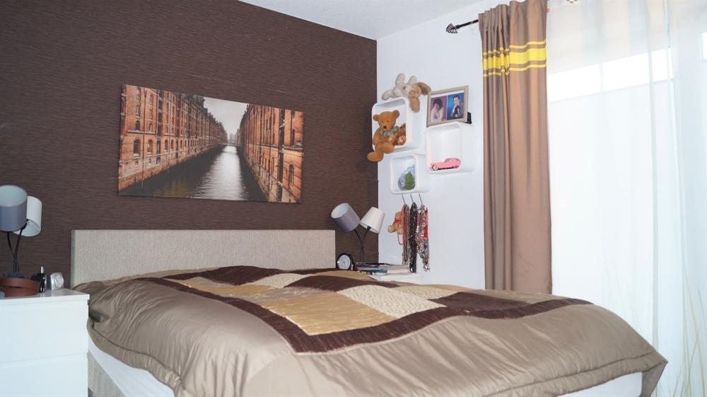 Schlafzimmer im Erdgeschoss links