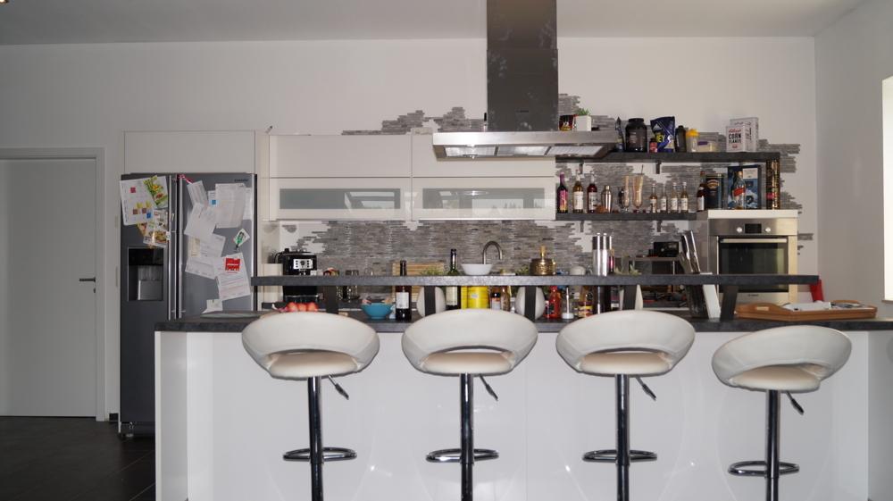 Kochinsel mit Sitztrese