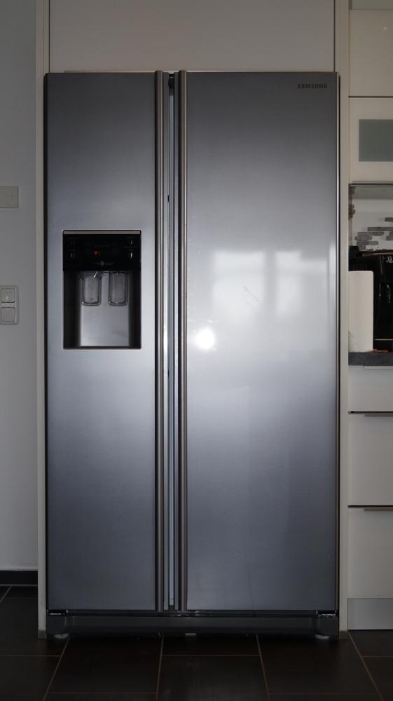 Side-by-Side Kühlschrank mit Eiswürfelspender