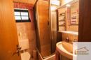 Bad mit Dusche rechts