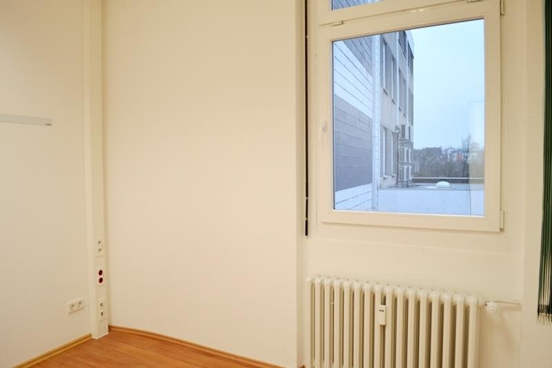 Büro 12