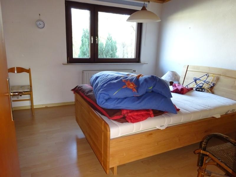 Zimmer 2 OG li