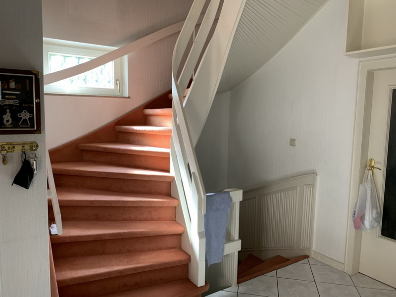 3 Treppe zum OG UG