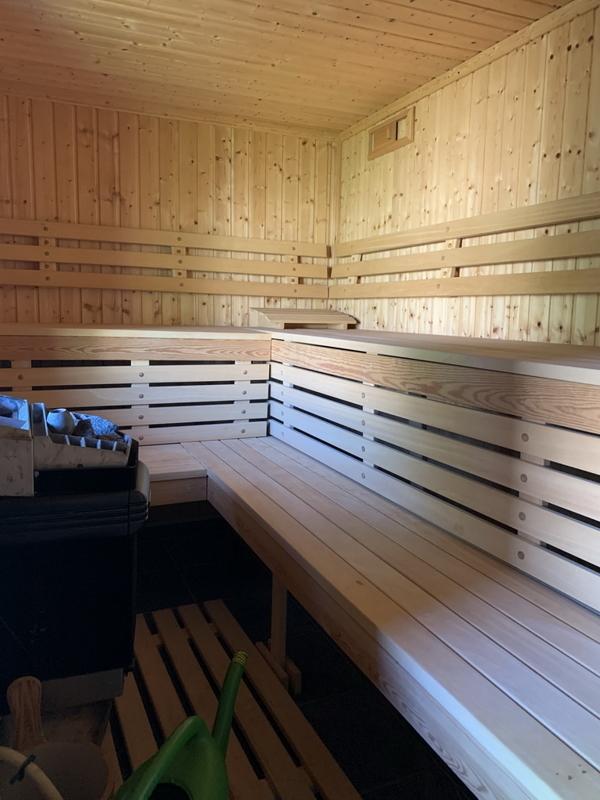 19 Sauna