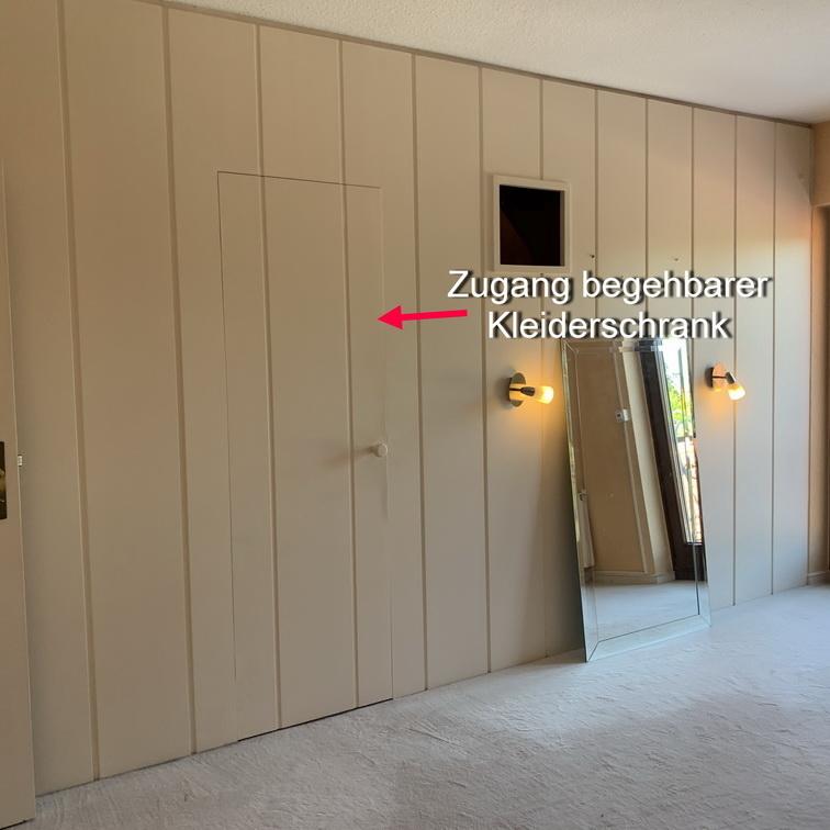 28 Schlafzimmer begehbarer Kleiderschrank