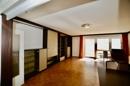 Wohnzimmer mit Einbauschrank