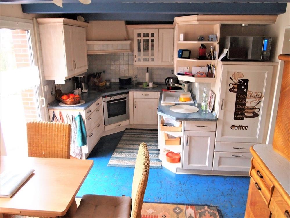 Küche mit EBK und Essecke