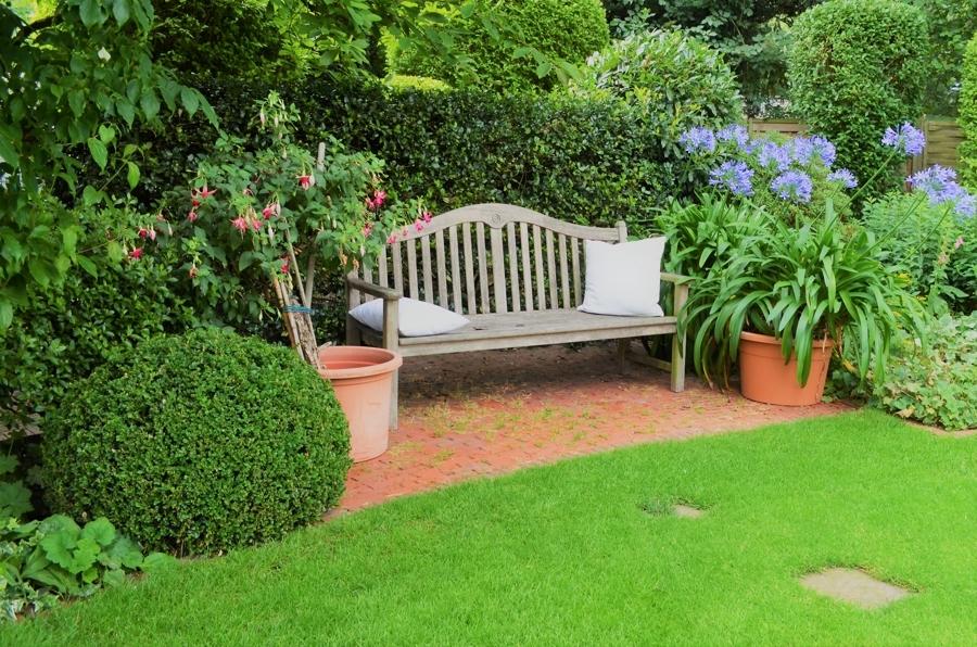 Garten mit Erholungsbereich