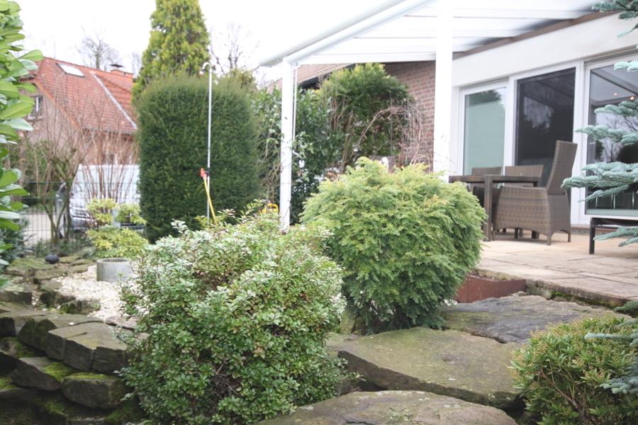 Garten Steinweg an der Terrasse